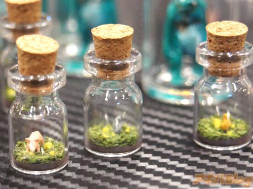 史上最小手办 4mm的微型瓶中动物