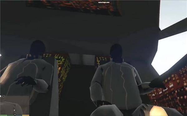 《侠盗猎车手5》飞碟内部外星人驾驶员