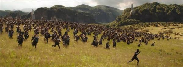 《复仇者联盟3》全新剧照曝光 众英雄严阵以待